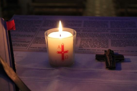 Kerze mit Kreuz